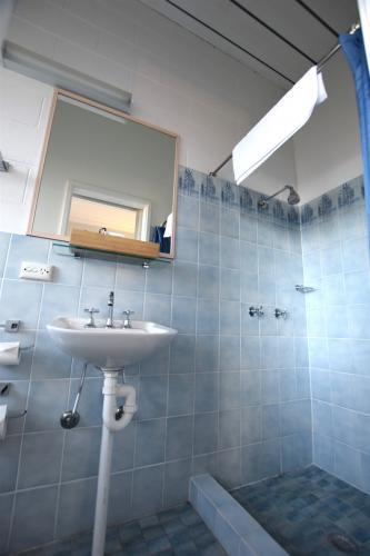 AA Budget Bathroom